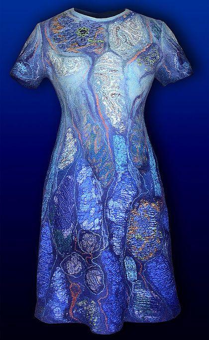 """Платья ручной работы. Ярмарка Мастеров - ручная работа платье валяное из войлока и шелка """"Стихия воды"""" с оберегом.. Handmade."""