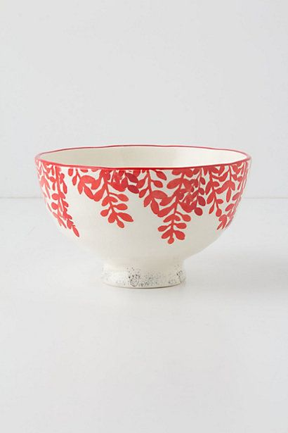 I saw this bowl last time I was in the store and I fell in love. My cereal needs it! Good idea for pasta bowls