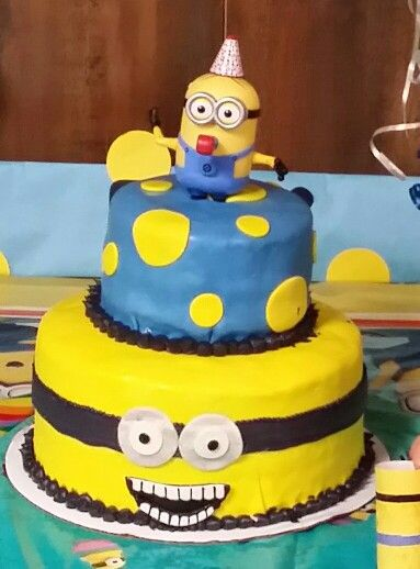 17 best images about minions on pinterest minions decorations 2nd birthday and minion - Cake decorations minions ...