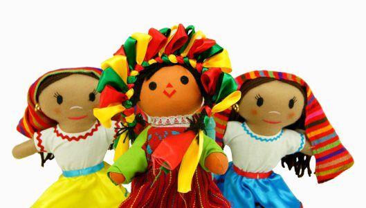 muñecas www.artesaniasmarymar.com