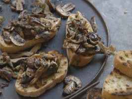 Mushroom Bruschetta http://www.cookingchanneltv.com/recipes/laura-vitale/mushroom-bruschetta.html