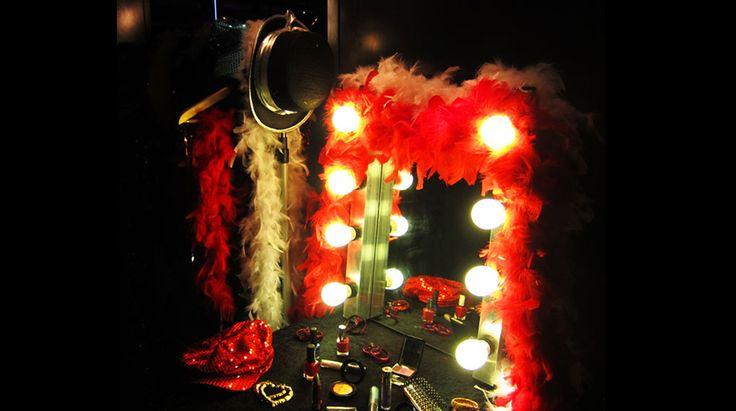 Idols themafeest | Idols, make-up spiegel, lichten, veren boa, rekwisieten, hollywood,