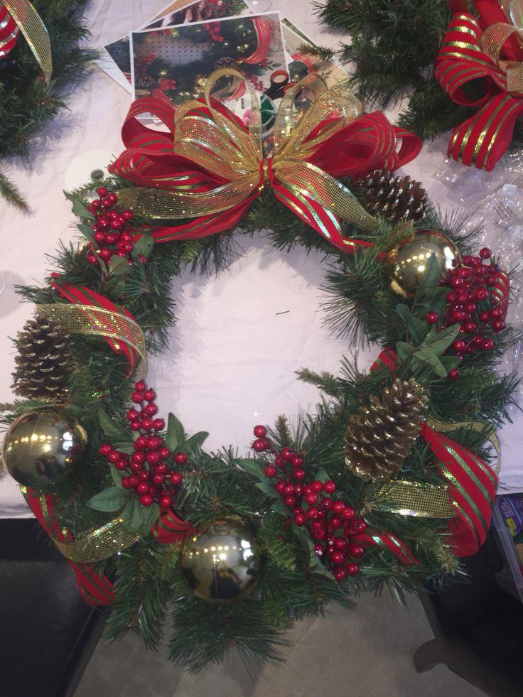 Make A Deco Mesh Christmas Tree
