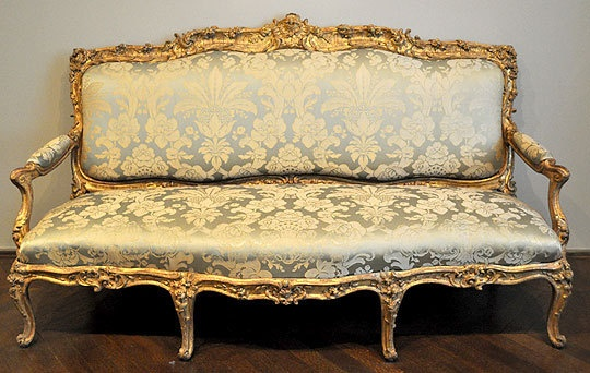Rococo loco the style of louis xv and madame de pompadour for Louis xv canape sofa