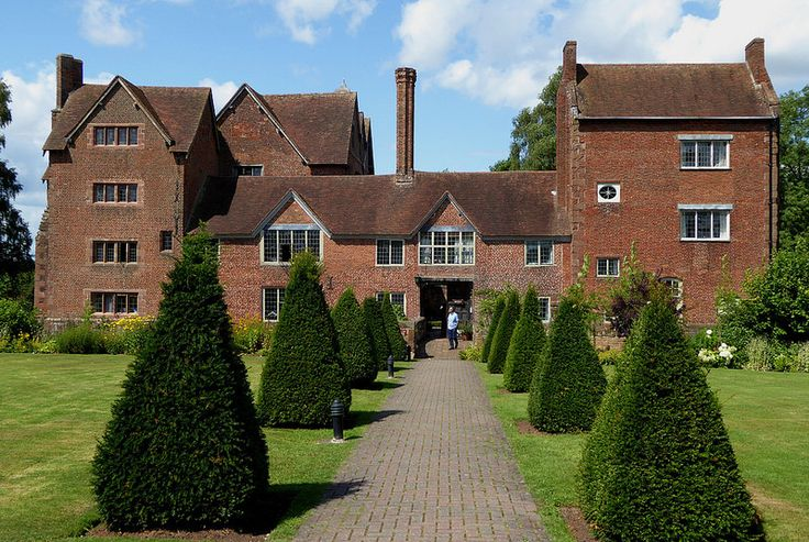 "Harvington Hall is the inspiration for the house ""Seven Ways"" in By the Sword"