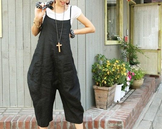 Fashion Woman Bib black linen Large file pants  Loose Seven cents trousers
