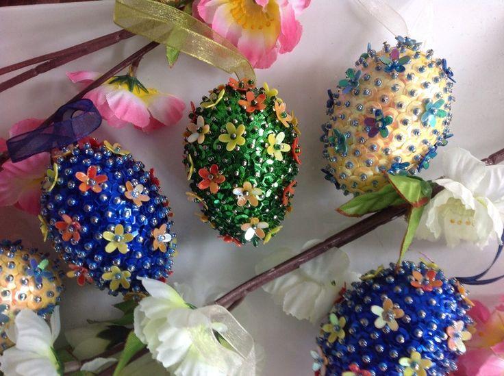 Pailletten Eier von Manuela und Renates Bastelstube auf DaWanda.com