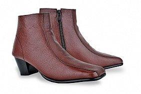Kode: GRO 227 Sepatu boots kerja warna coklat dari kulit pilihan, ukuran 36 - 40. Stok terbatas! Model lain visit> http://TokoALMA.Beegos.com/