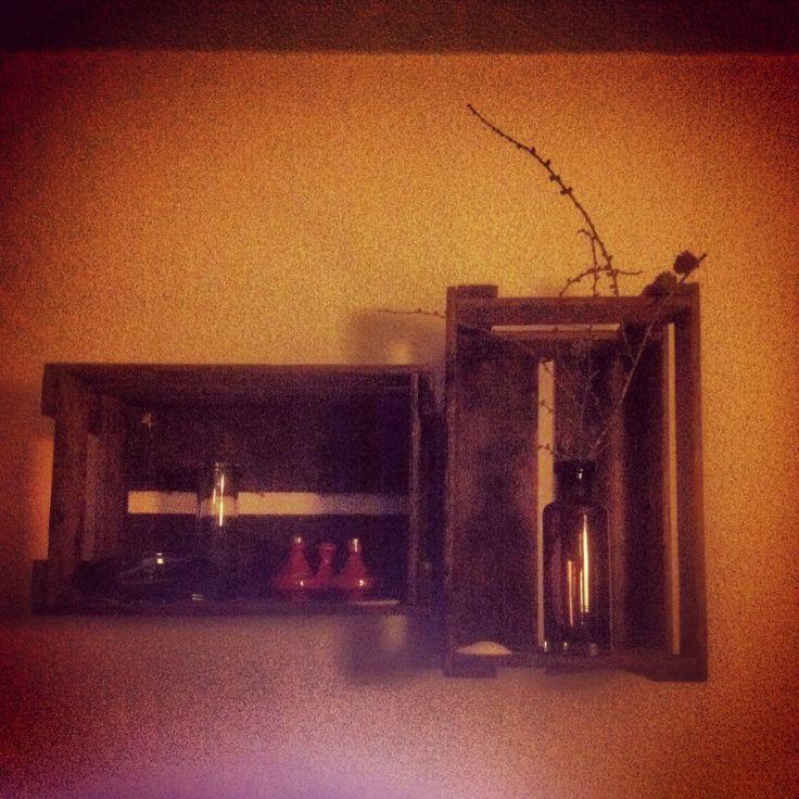 25 melhores ideias de regal aus weinkisten no pinterest. Black Bedroom Furniture Sets. Home Design Ideas