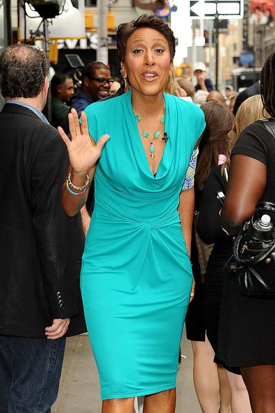 Robin Roberts Day Dress - Robin Roberts looked oh-so-chic on 'Good Morning America' in her aqua cowl-neck dress.