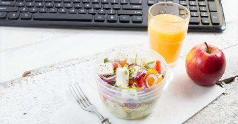 Φαγητό στο γραφείο: τι να βάλετε στο τάπερ…