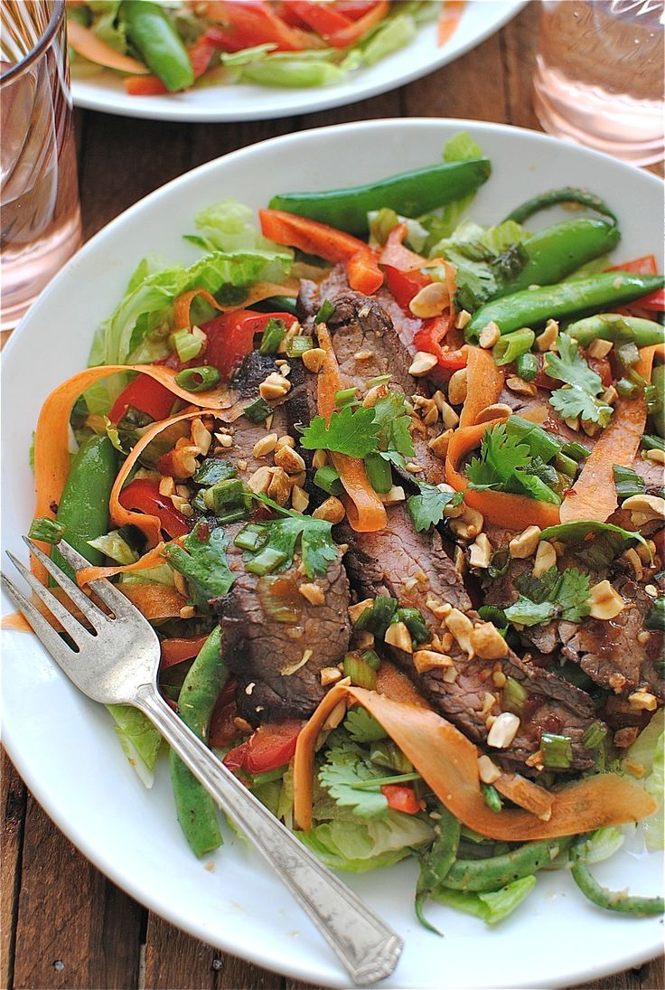 Totally my kinda dinner:  Grilled Asian Steak Salad via @Beverly Weidner @BevcooksAsian Steak, Salad Recipe With Steak, Asian Food, Grilled Asian, Weidner Bevcook, Bev Cooking, Beverly Weidner, Delicious Salad, Steak Salad