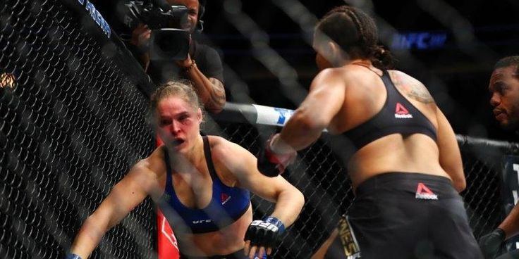 "Justin Bieber ""Bully"" Kekalahan Ronda Rousey - http://darwinchai.com/olahraga/justin-bieber-bully-kekalahan-ronda-rousey/"