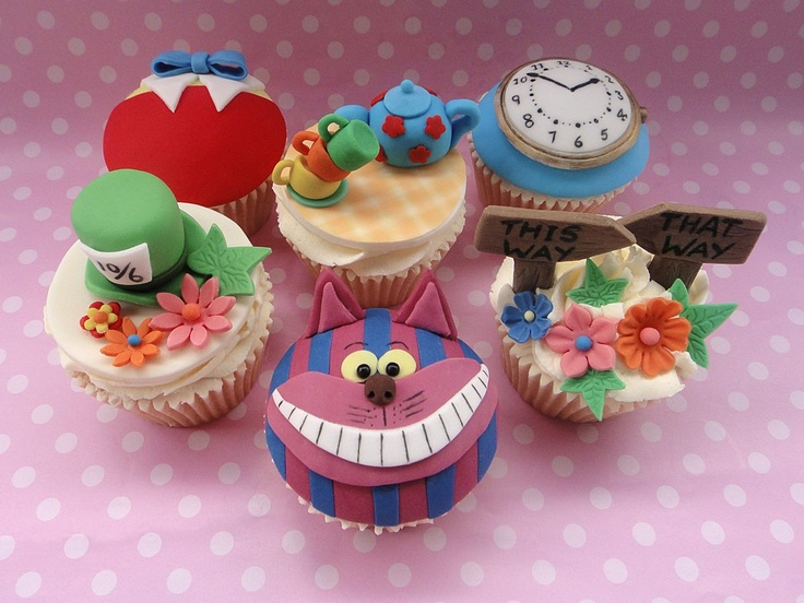 mad hatter cupcakes - photo #2
