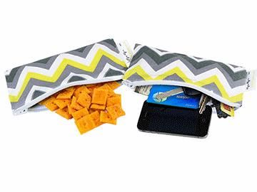 Itzy Ritzy Snack Happens Mini Reusable Snack & Everything Bag – 2 Pack – Sunshine Chevron $24.95 www.pennyfarthing.com.au #pennyfarthingkids #babies #babybag #tote #snackbag #itzyritzy