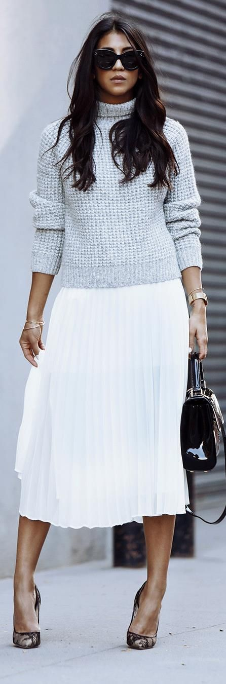 Ribbed Turtleneck, White Pleated Midi & Print heels | fall trend.