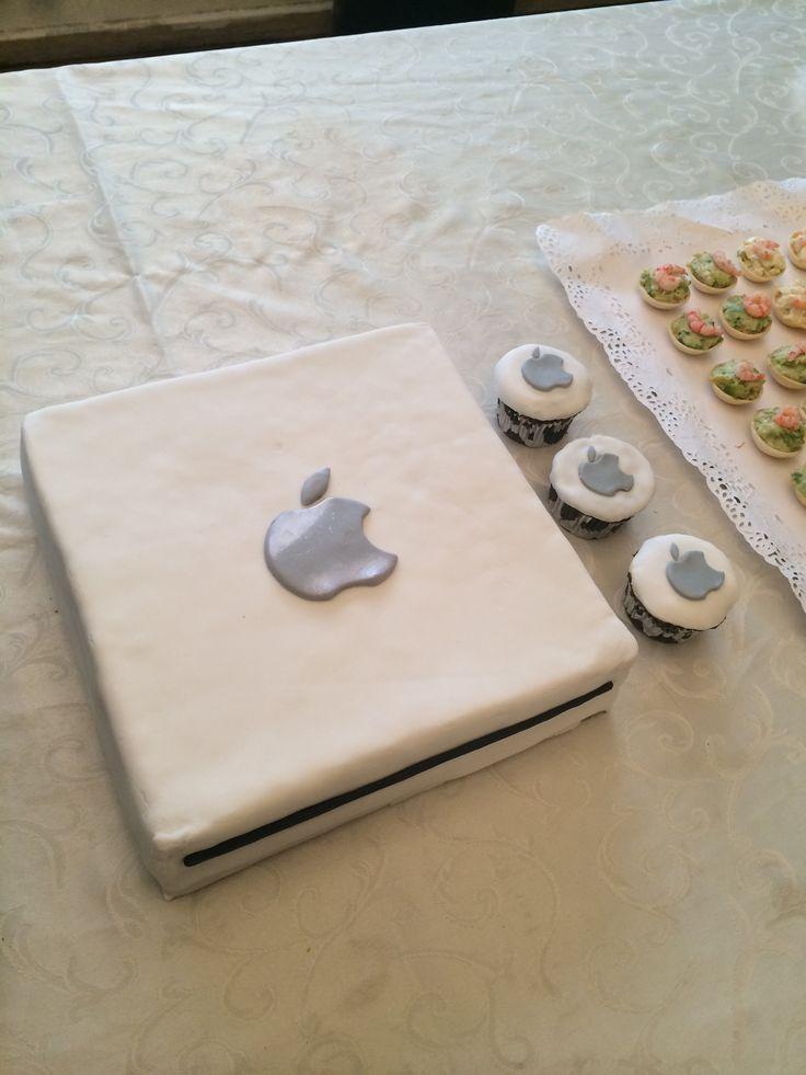 Torta Mac mini y cupcakes Apple