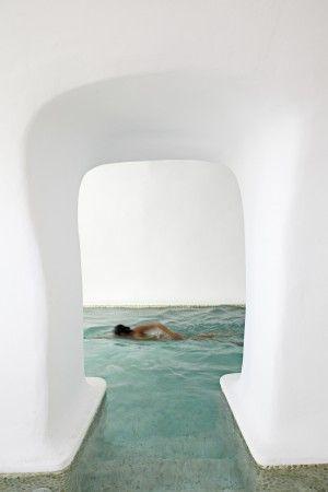 Kirini Suites and Spa // Oia, Santorini | FUTU.PL