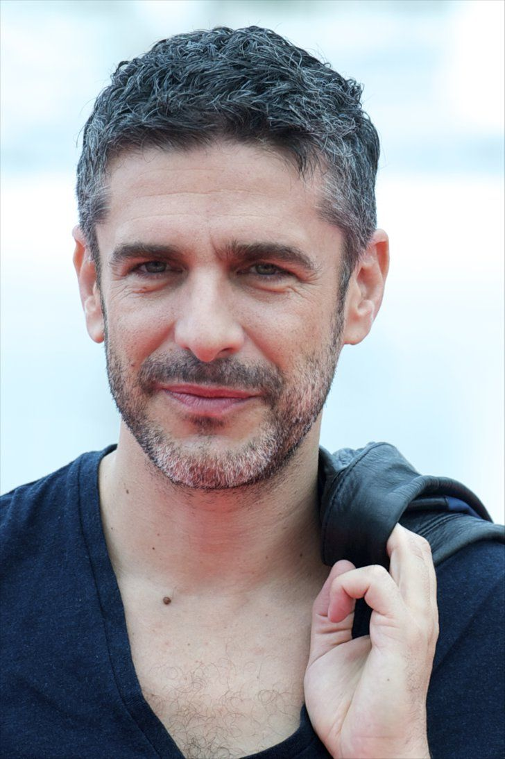 Pin for Later: 45 Famous, Sexy Silver Foxes Leonardo Sbaraglia