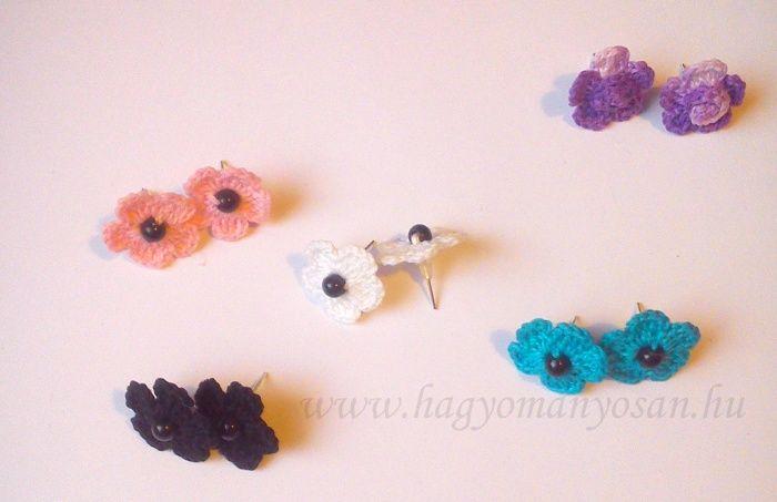 Horgolt fülbevaló - kis virág