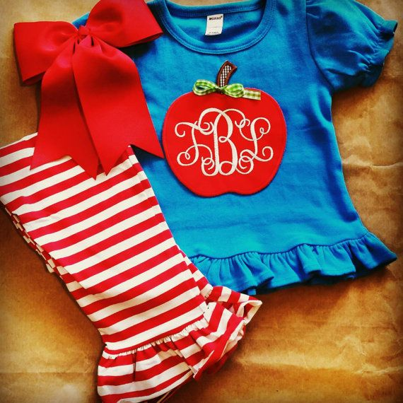 This back-to-school outfit is the cutest thing ever!! If you want your little girl to be dressed for success, this set from The Preppy Pepper is