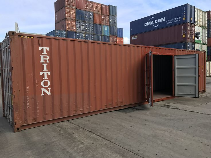 40ft shipping container with additional doors inserted
