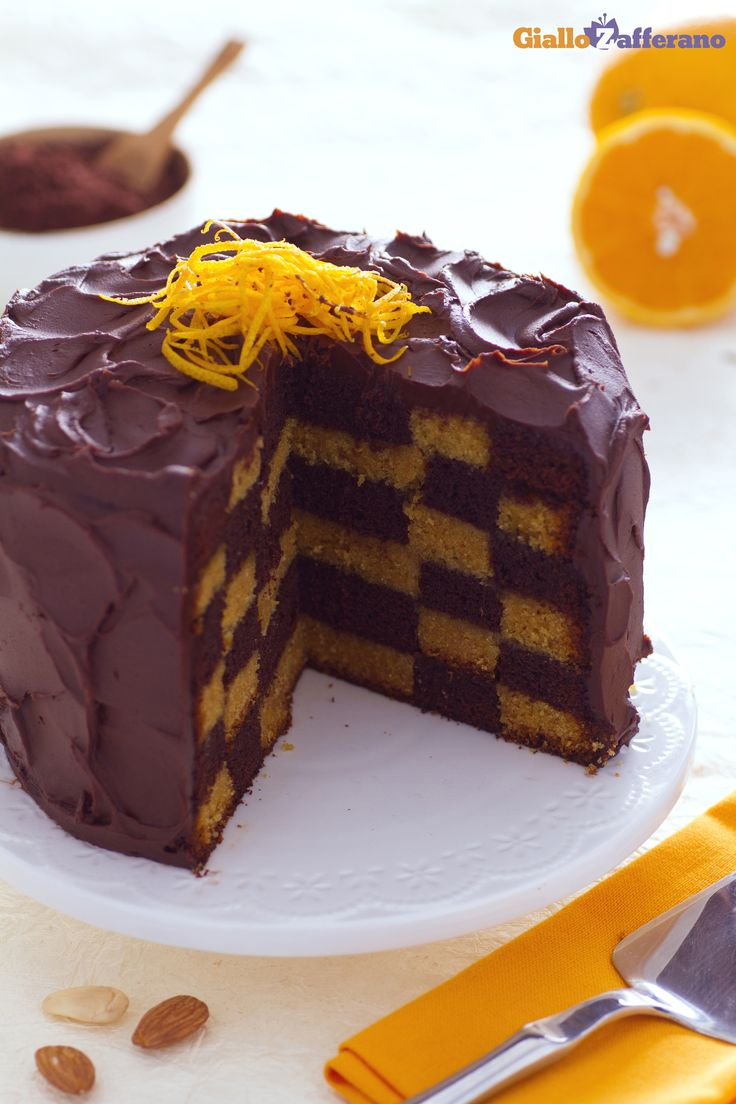 Pronti per lo scacco matto più dolce che ci sia con l'originale #TORTA A #SCACCHI (checkerboard cake)! #ricetta #GialloZafferano #italianrecipe #italianfood