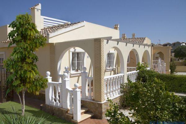 Preiswerte kleine Villa am Golfplatz an der Costa Calida  Details zum #Immobilienangebot unter https://www.immobilienanzeigen24.com/spanien/regin-de-murcia/30591-balsicas/Villa-kaufen/19824:-1209871220:0:mr2.html  #Immobilien #Immobilienportal #Balsicas #Haus #Villa #Spanien