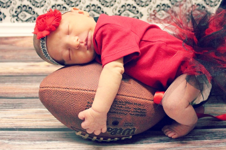 Sooo cute!! This is gonna be my husker baby!