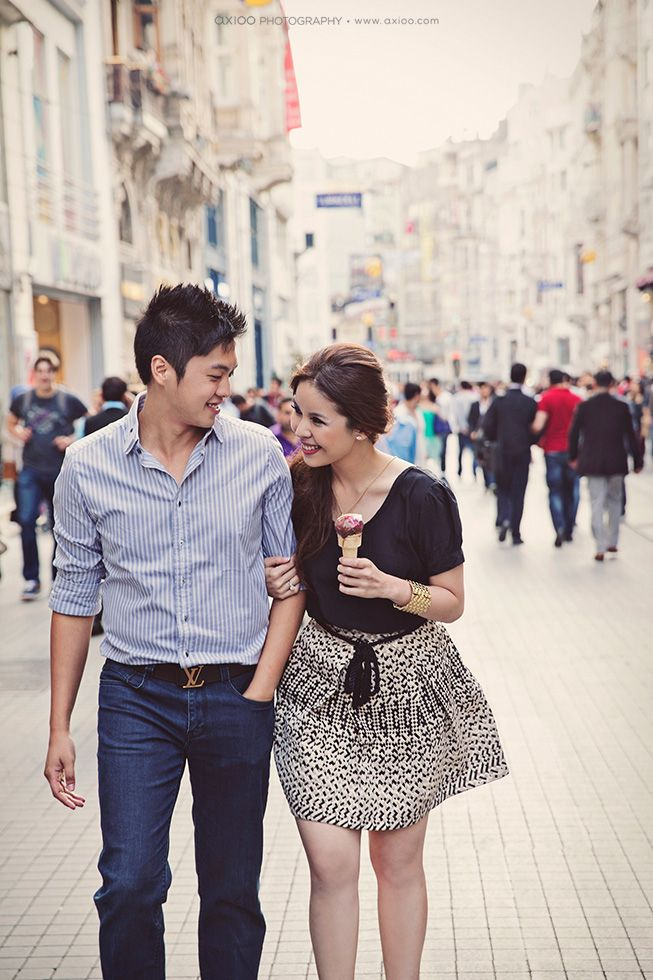 I love this on-the-street theme for pre-wedding shoots! Johan & Trishia by David of Axioo Photography