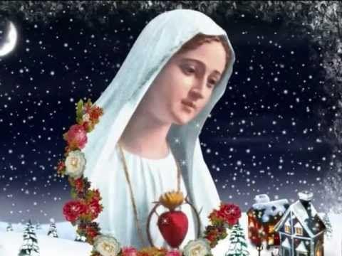 Villancico navideño, los peces en el rio. La Virgen se está peinando Entre cortina y cortina Los cabellos son de oro Y el peine de plata fina Pero mira como ...