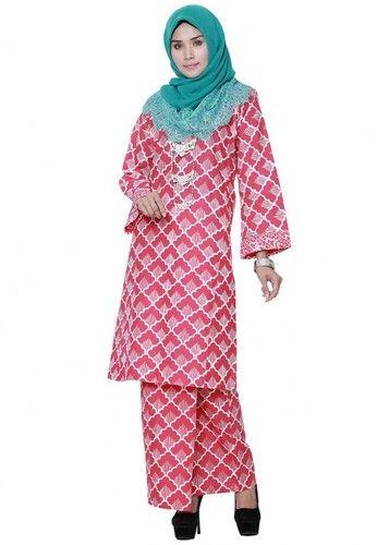 ChekPua from Hijrah Couture in White - High Quality Cotton- Perfect Tailor Made- Cutting Kurung Pahang- Printed Batik Motive ... #bajukurung #bajukurungmoden