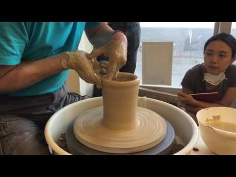 255. Trimming a Faceted Teabowl/Chawan with Hsin-Chuen Lin 林新春 茶碗 修坯示範 - YouTube