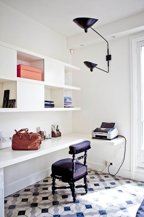 Contemporary fitted shelves and box cabinets create a very modern home office. #homeoffice #study #storage Featured in // Milk Magazine More info http://www.desiretoinspire.net/blog/2012/11/4/milk.html