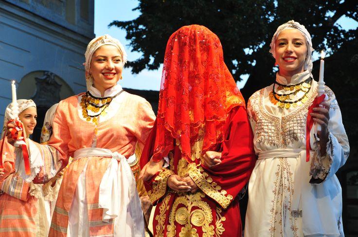 Mórikum: ciprusi esküvő Több kép Zsolttól: www.facebook.com/zsolt.hrubos és www.hrubosfoto.hu