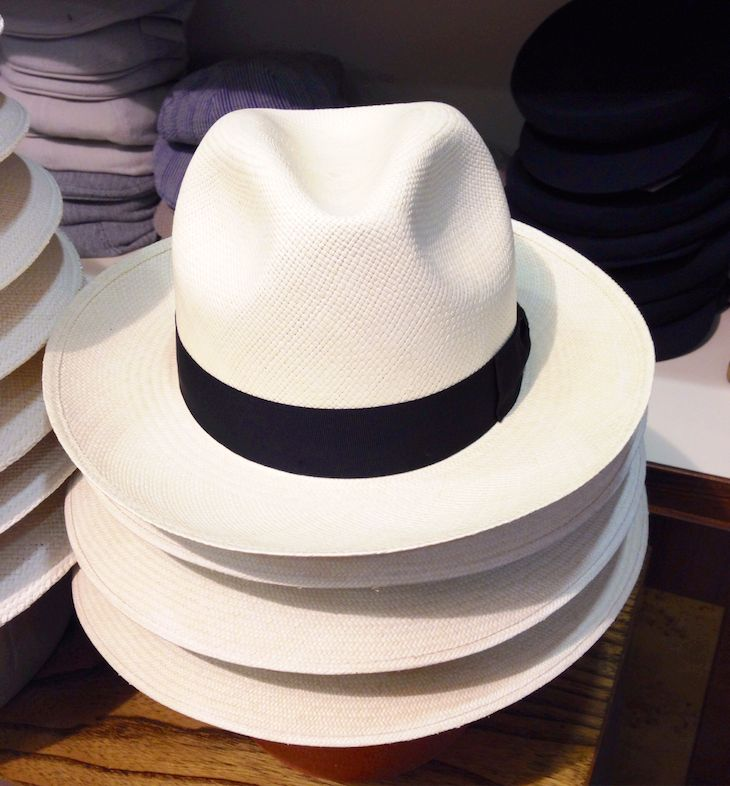 Cappelli berretti negozi shop online e-commerce  #borsalino #tesi #caps #hats #stores #shop #ravenna #italy #vintage #revival #unisex #elegant #classy #classic #preppy #travelfashion #objects #books #style #lifestyle #shopping #accessories #accessori #hatter #cappellaio #cappelleria #boutique #panama #rafia