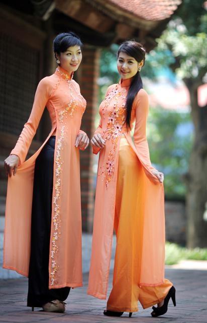 TRADITIONAL LONG DRESS - TT117 Happy Vietnamese Parent's day (Vu Lan) , show them your loves :)
