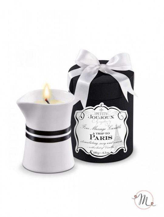 Candela massaggio wedding Paris. Elegante confezione di colore nero che contiene una candela la cui cera si scioglie e si trasforma in olio da massaggio piacevolmente caldo. L'olio è fatto con ingredienti cosmetici di alta qualità come l'olio di jojoba e burro di karitè che forniscono alla pelle nutrimento e cura. Tutti gli ingredienti sono naturali, senza coloranti e conservanti. La lussuosa candela da massaggio Paris ha la profumazione di Vaniglia e Legno di Sandalo.190 gr #massaggi