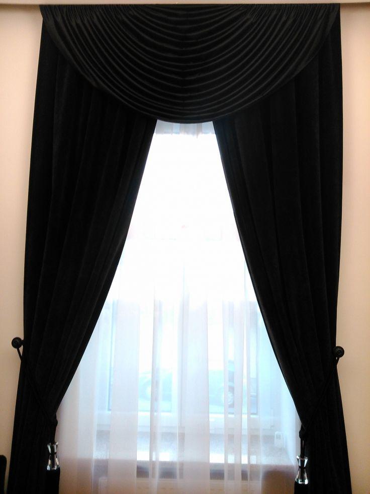 Klasszikus sötétítő függöny, anyaga fekete plüss Elkötők : Üveg diszitésű