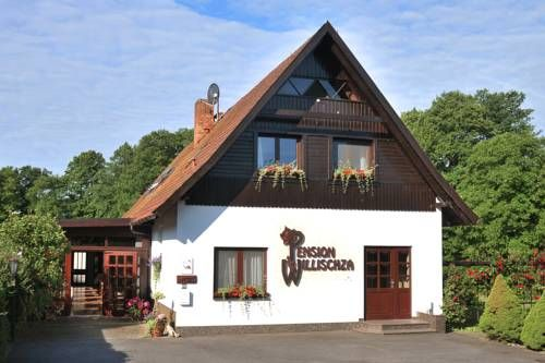Pension Willischza Burg (Spreewald) Featuring free WiFi, Pension Willischza offers pet-friendly accommodation in Burg, 12 km from L?bbenau. Free private parking is available on site.  You will find a coffee machine in the room.  You will find a shared kitchen at the property.