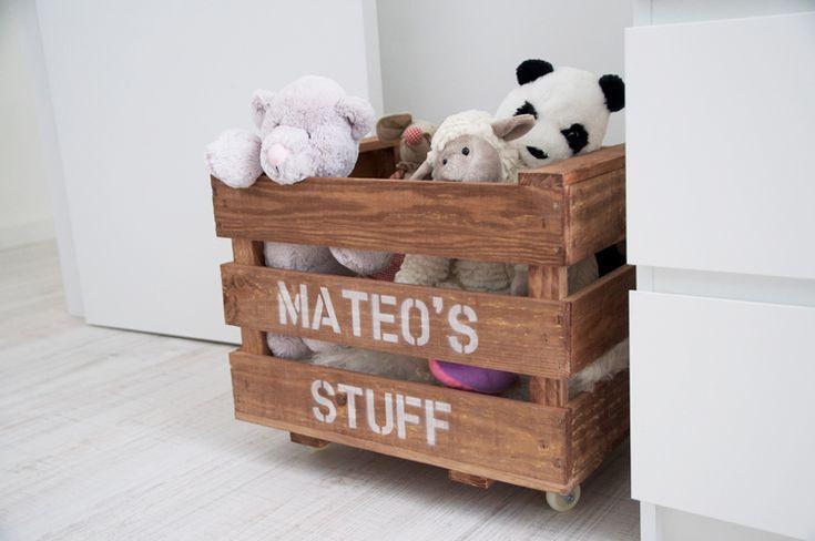 Caja juguetero personalizable disponible en: www.yourbox.bigcartel.com  scandinavian nursery inspiration grey mint / habitación bebé infantil gris / Macarena Gea