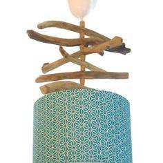 Lustre - suspension - plafonnier en bois flotté - création unique - bleu géométrique 25 cm