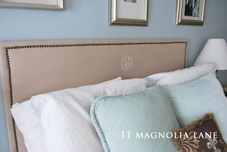 Tutorial for a DIY monogrammed burlap headboard with nailhead trim at 11 Magnolia Lane.  SO easy and inexpensive!
