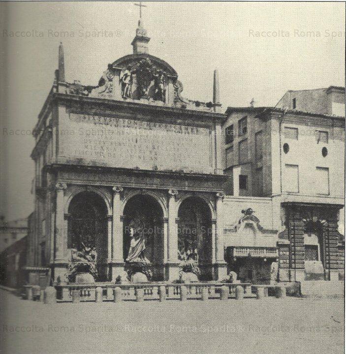 Piazza San Bernardo. Mostra dell'Acqua Felice detta anche Fontana del Mosè Anno:1868