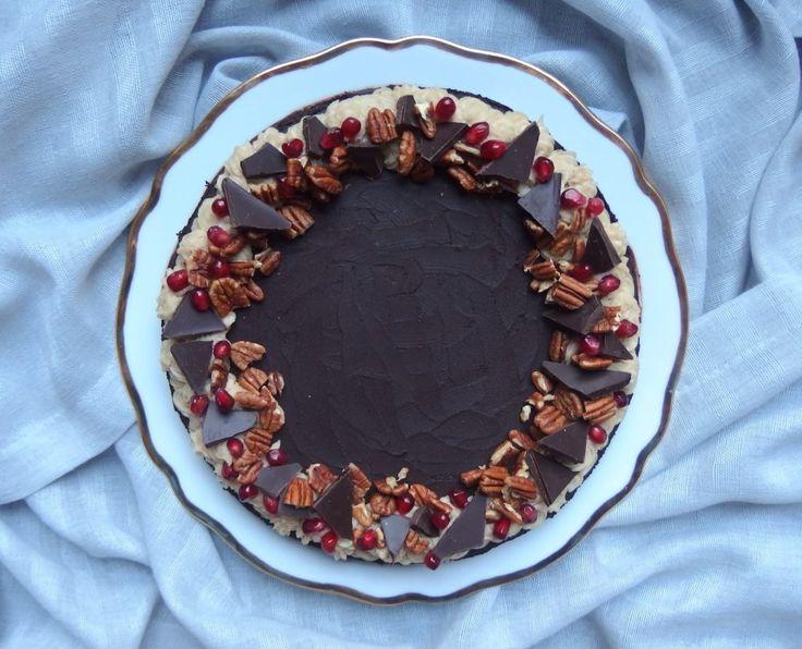 Suklainen joulukakku vegaani gluteeniton