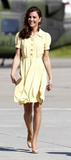 Kate Middleton's yellow dress is adorable.