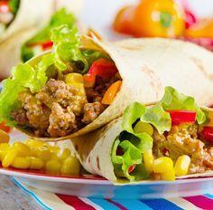 Wrap mit Hackfleisch, Mais Paprika und Salat