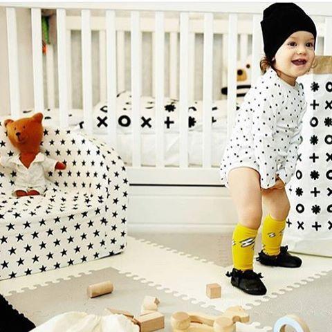 Black & white nursery decor for baby boy.  Do you like it ? #nurserydecor #cotbed #funique