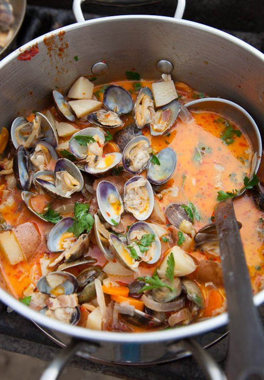Fresh Clam Chowder . . . fresh clams aren't easy (or inexpensive!) to come by in Colorado, yet this recipe looks amazingly wonderful.