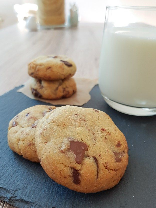 Homemade Chocolate Chunk Biscuits - a chocolate studded cookie-esque biscuit with a crunchy outer and tender middle | EatExploreEtc.com